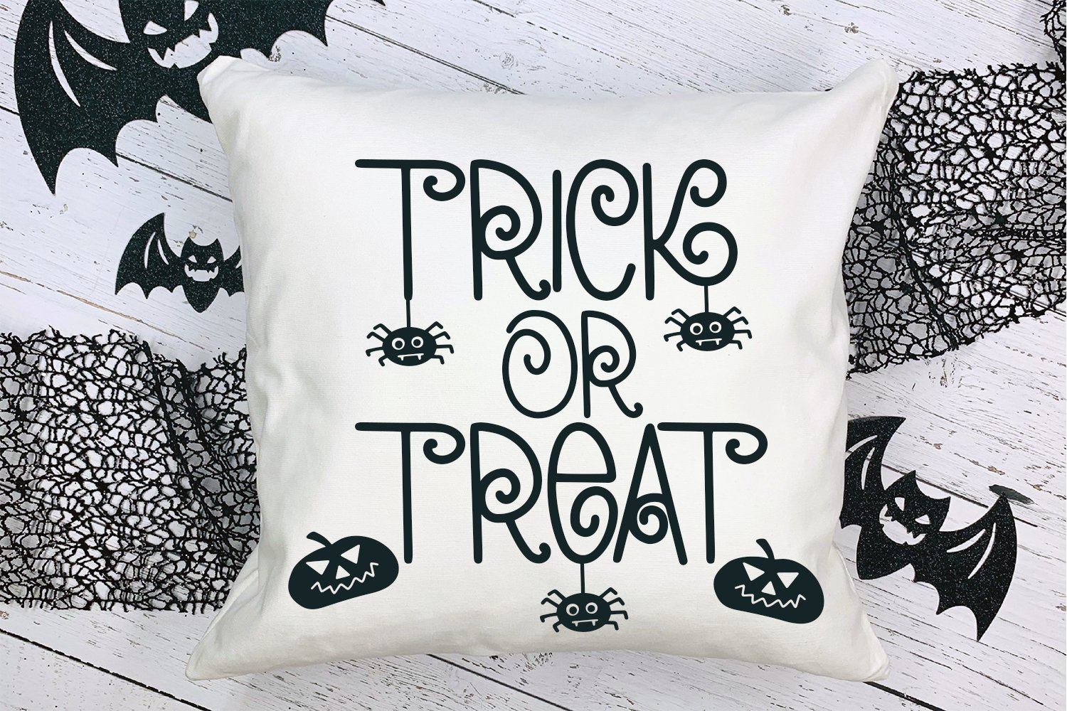 Chills & Thrills - A Swirly Halloween Font example image 4