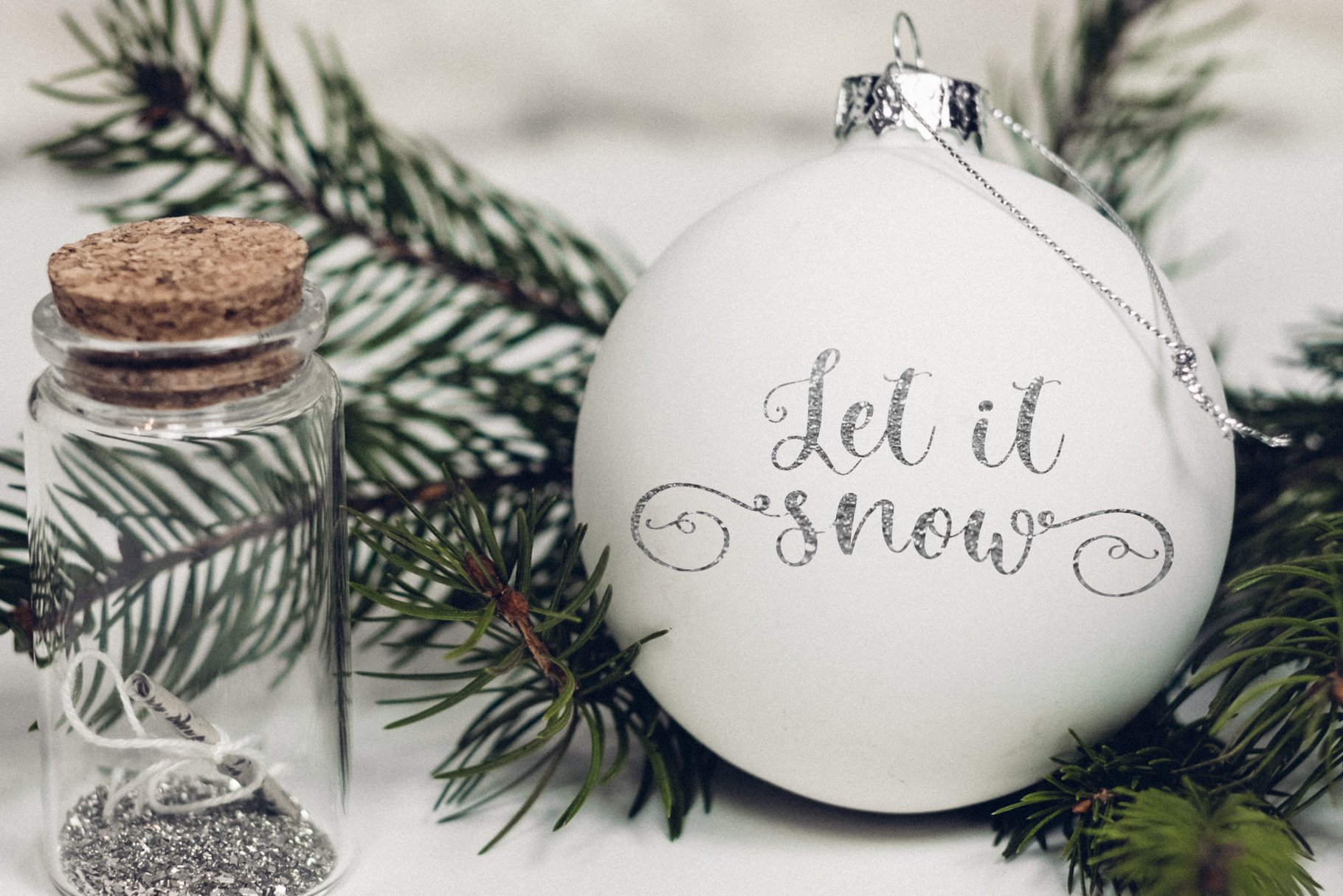 Winter Time. Decorative Script Font example image 4
