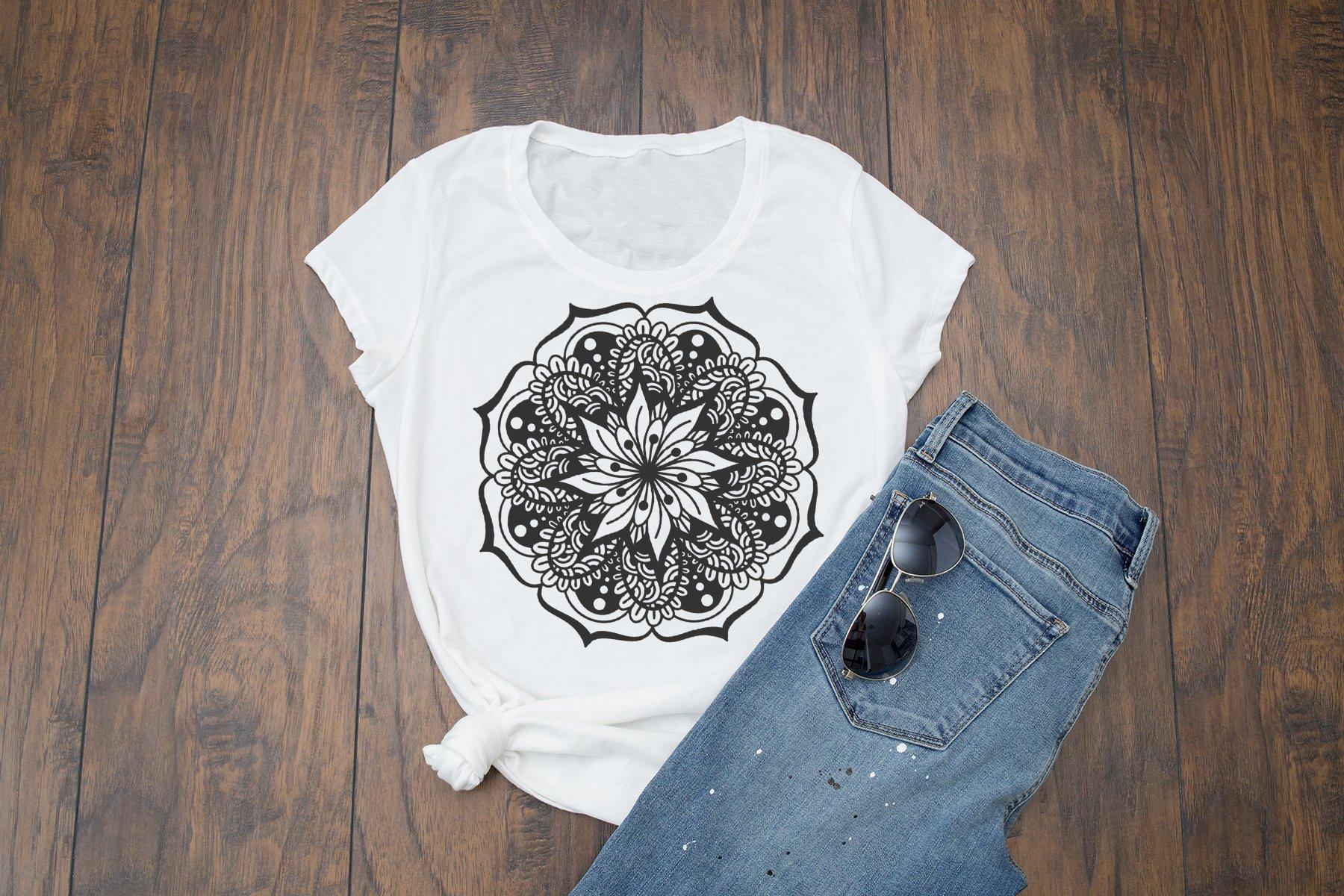 Mandala SVG Cut Files example image 2
