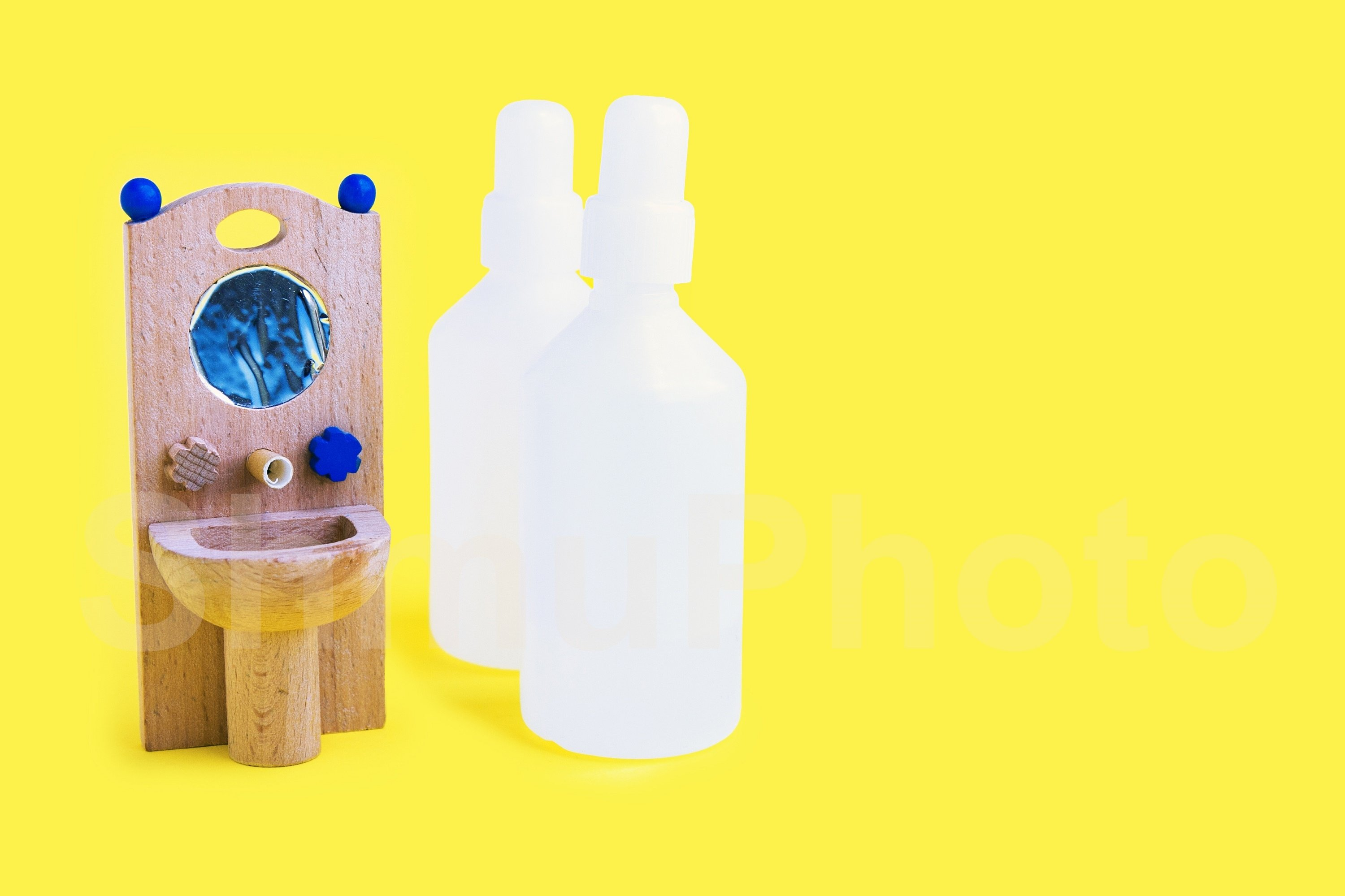 Wooden toy washbasin and anti-bacterial disinfectants example image 1
