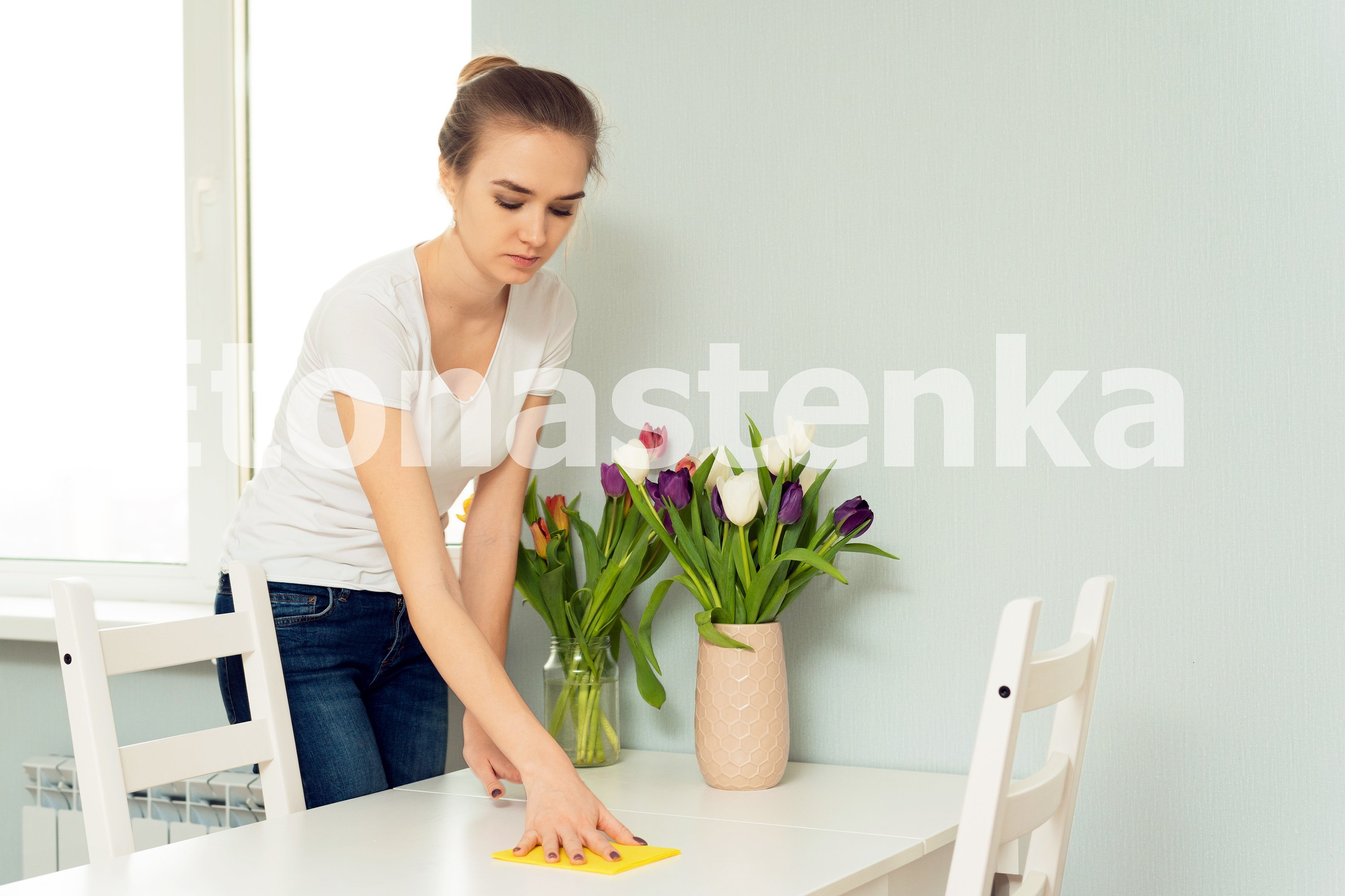 5 photos of house cleaning. example image 3