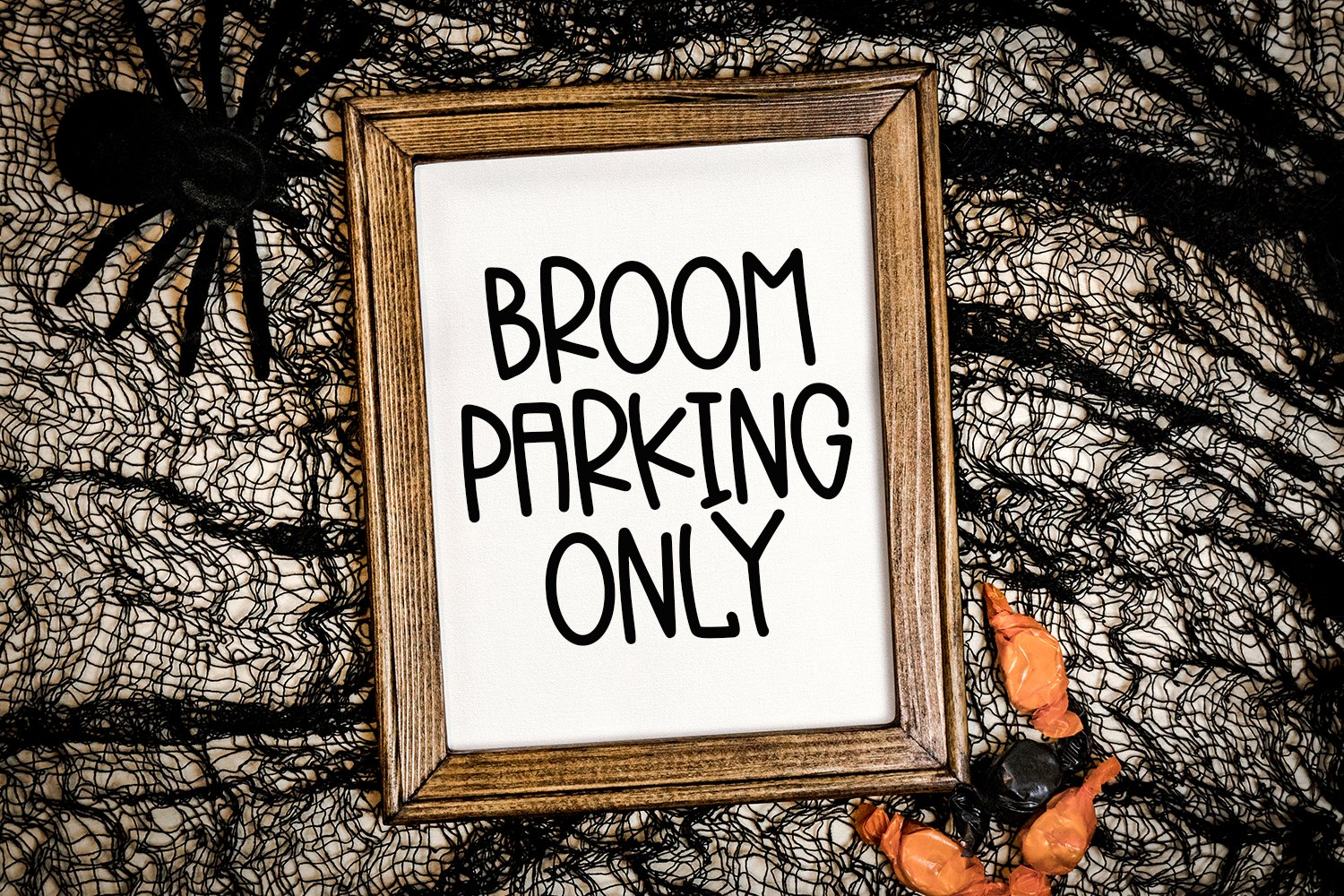Spooky Squad - A Hand-Lettered Halloween Font example image 4