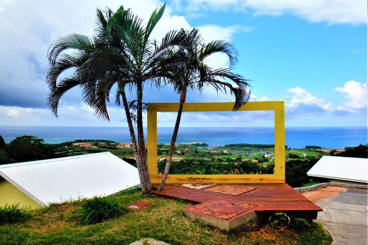 Travel photos from around Roatan island, Honduras example image 1