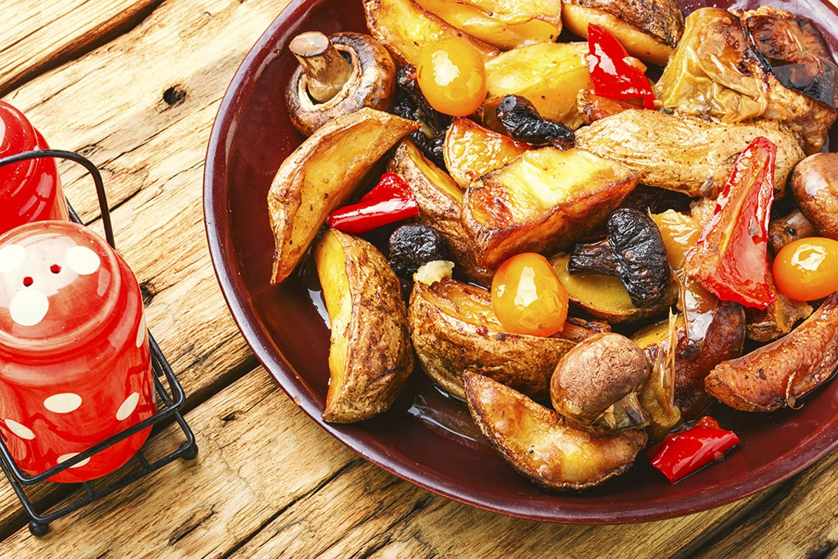 Roasted potatoes with mushrooms example image 1