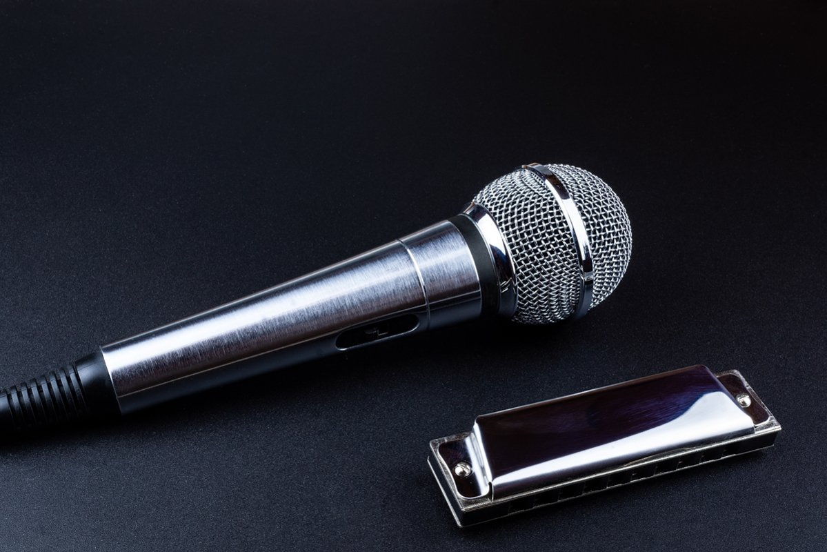 Microphone and harmonica example image 1