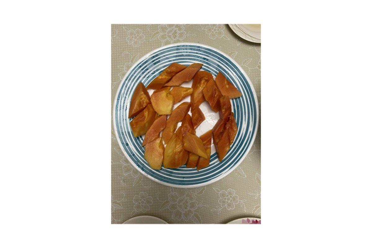 Photo of the fruit of the papaya example image 1
