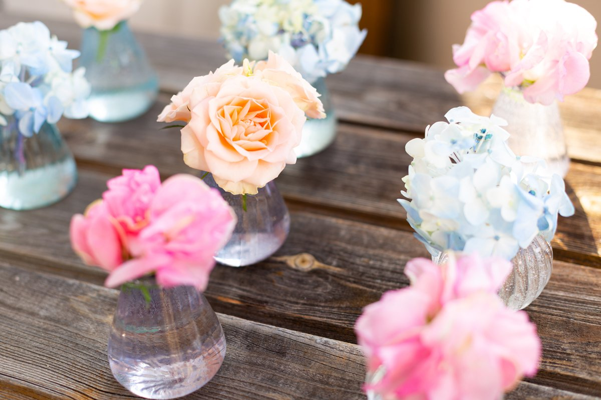 Blue hydrangea,pink sweet pea Lathyrus,roses in crystal vase example image 1