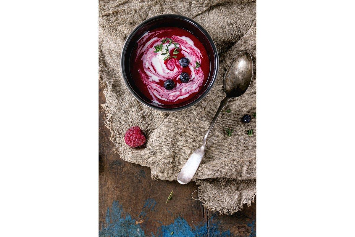 Dessert berry soup example image 1
