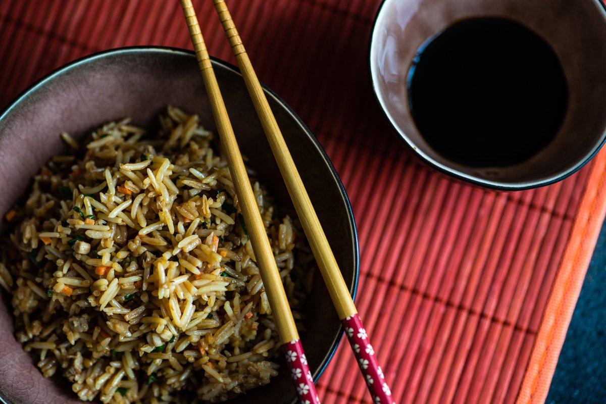 Dùng đũa phòng bệnh khi ăn: Việt Nam đã đi trước Trung Quốc 70 năm?