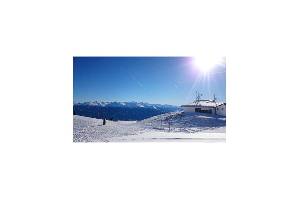 Photo of the Nordkette ski resort Nord park example image 1