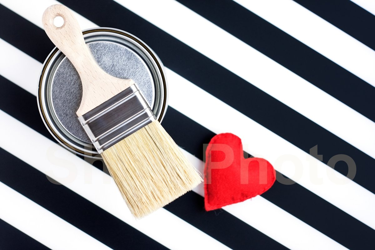 Paint metal round can and new brush and heart on black/white example image 1