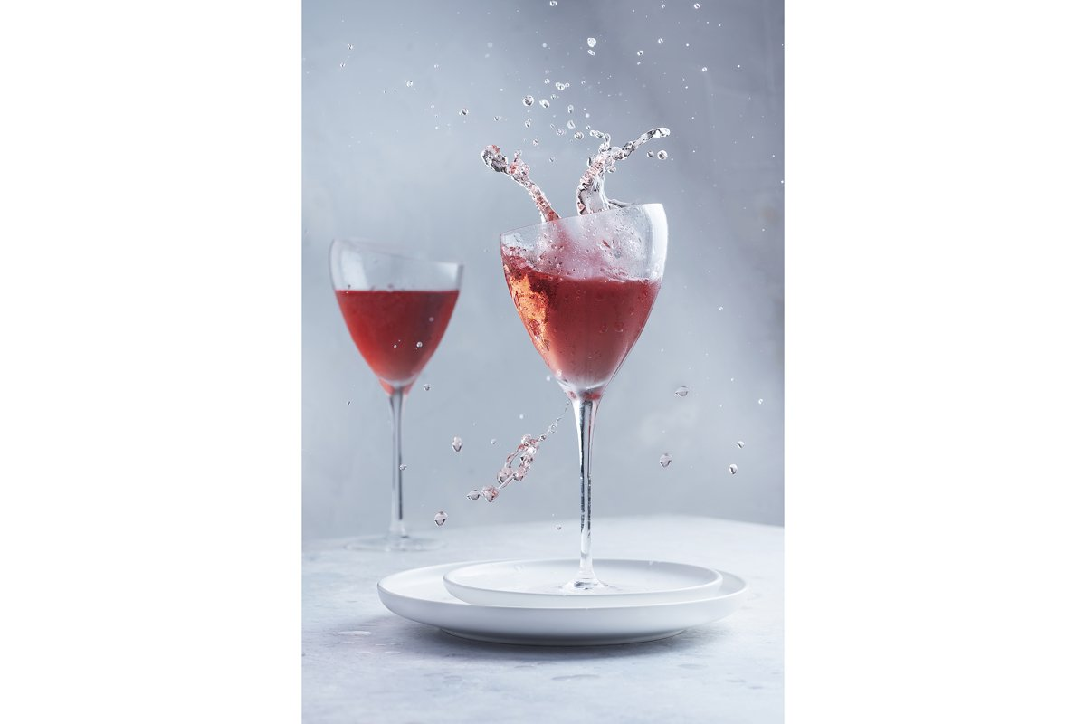 Rose wine with a splash effect example image 1