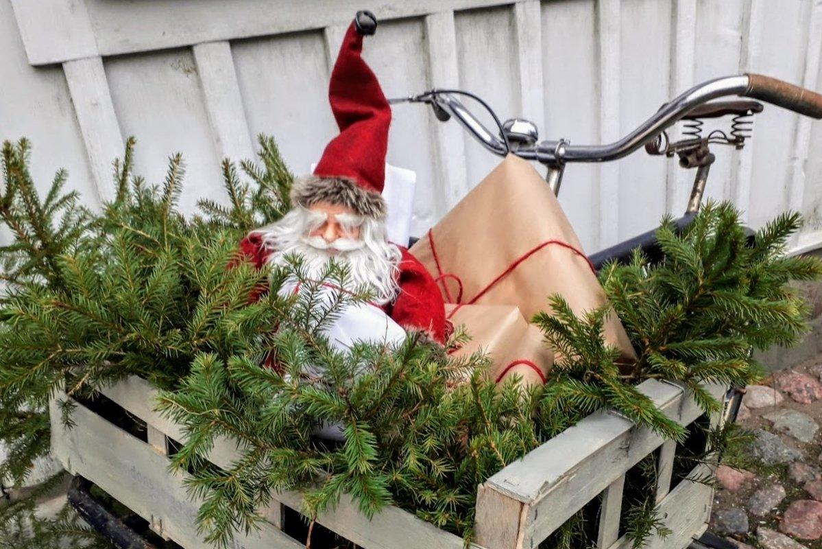 Christmas photos Santa decoration on a bike example image 1