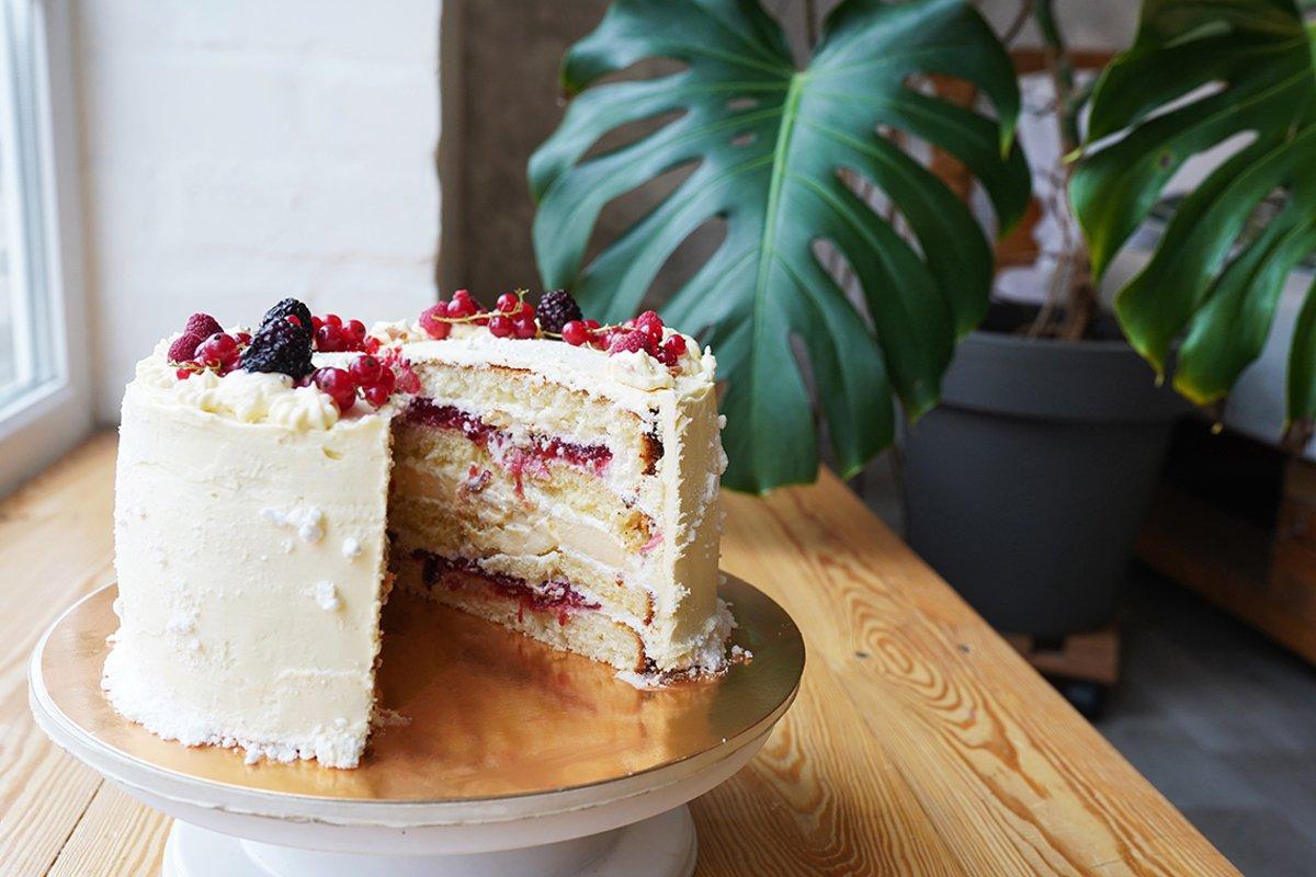 vanilla sponge cake example image 1