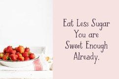 Strawberry Farm | A Serif Font Product Image 3