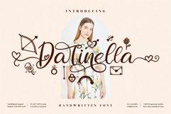 Darinella - Beautiful Script Font Product Image 1