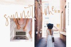 Lasiera Script Font | Blog style Product Image 3