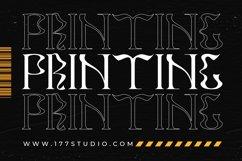 Strarat Elegante Font Product Image 2