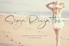 SignRiyathi - Modern Signature Font Product Image 1