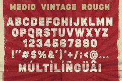 Medio Vintage Font Product Image 4