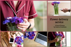 Delivery flowers service.Online order in a flower shop Product Image 1