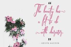 Mugelova | A Beautiful Calligraphy Signature Font Product Image 2