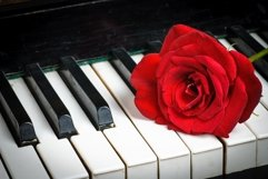Retro piano keyboard Product Image 1