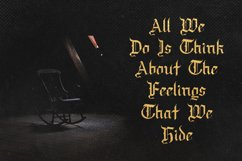 Draculie - Ghothic Blackletter Font Product Image 4