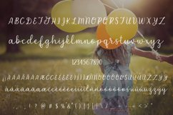 Carefree - A handlettered script font Product Image 2