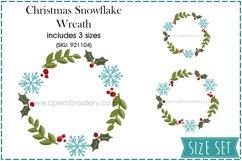 Christmas Snowflake and Mistletoe Wreath Embroidery Design Product Image 1