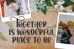 Athera Charlote Font Product Image 3