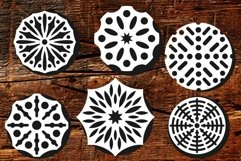 Round patterned ornaments for various applications Product Image 4