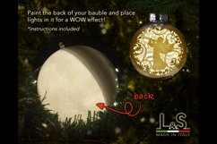 3D Christmas bauble with light