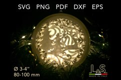 3D layered Christmas tree ornament lighted