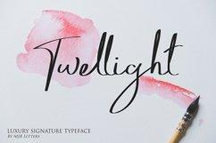 Twellight | Signature Typeface Product Image 1