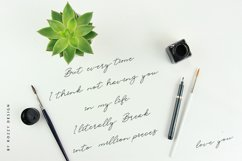 Rahayu Signature Font Product Image 2