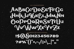 True Black typeface Product Image 4
