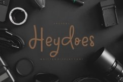 Heydoes - Handwritten Display Font Product Image 1