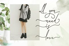 Laura Hellaw a lovely script font Product Image 6