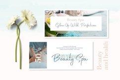 Hiluan Sea - Beautiful & Casual Script Typeface Product Image 5