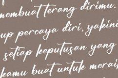 Bundaria -Handwritten Script Font Product Image 5
