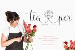 Hello Daisy - Flower Script Font Product Image 2