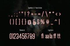 Wavemax - Space Futuristic Font Product Image 4