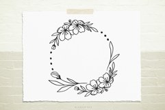 Wild flower wreath svg cut file Product Image 1