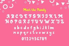 Ginidino Font Product Image 3