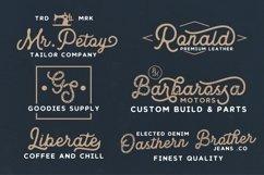 Royaland Font Product Image 3