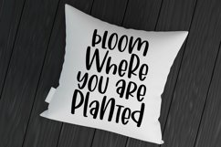 Web Font Blooming Daffodils - A Hand-Lettered Mixed-Case Fon Product Image 2