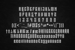 Sirugino Typeface Product Image 4