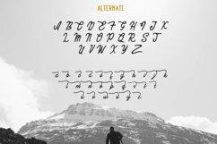 Komentator Vintage Font Product Image 5
