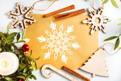 Flakes - A Dingbat Snowflake Font Product Image 5